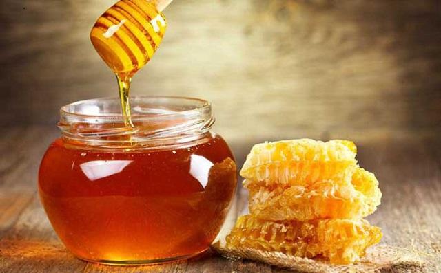 Chữa bệnh viêm chân răng bằng mật ong