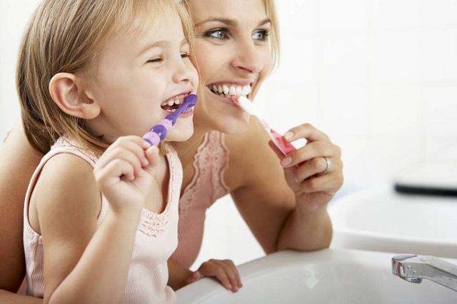 Cao răng hình thành do cách đánh răng không đúng chuẩn