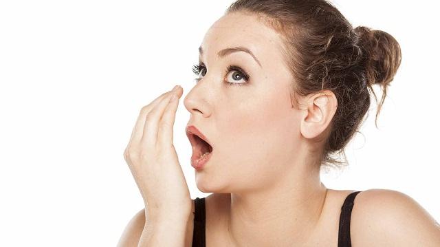 Lấy cao răng giúp cải thiện tình trạng hôi miệng